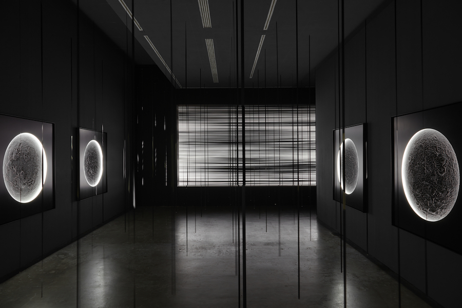 z-kempinas-illuminators-2015-white-noise-2007-verticals-2015