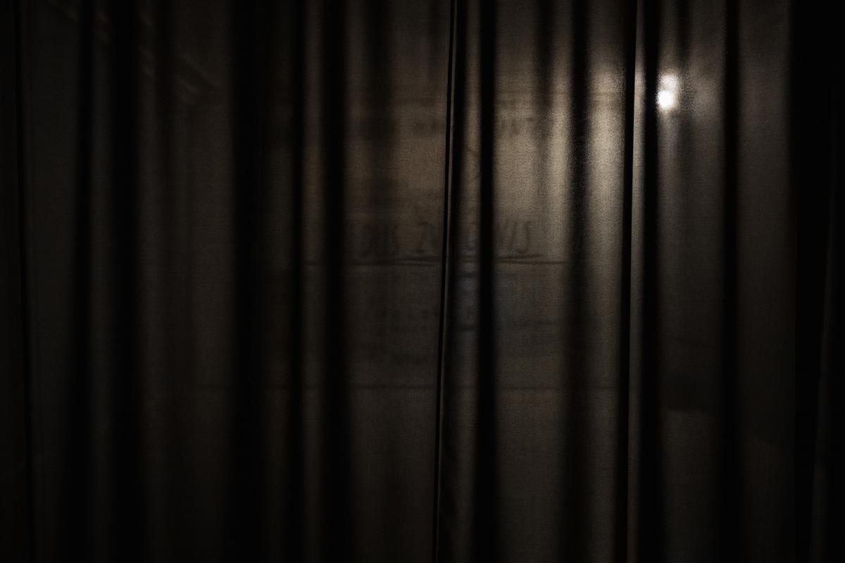 Kūnas ir tamsa_17_Galerija Vartai_ekspozicijos vaizdas