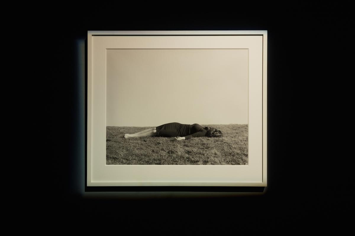 Kūnas ir tamsa_5_Galerija Vartai_G. Kinčinaitytė_Autoportretas II, 2012. Sidabro želatinos atspaudas