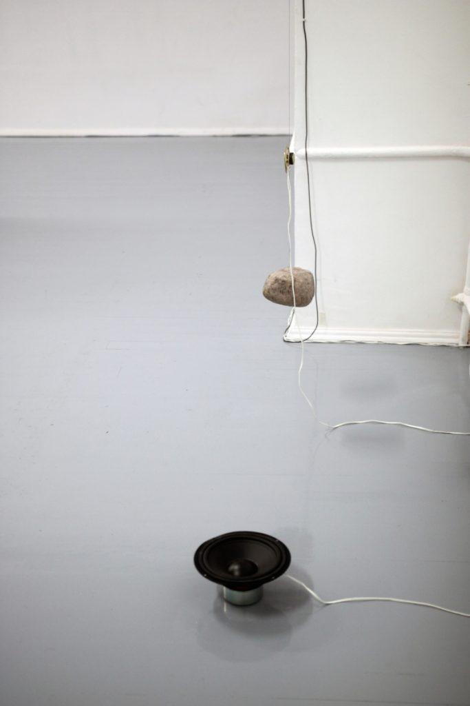 rees-archibald-akmens-sodas-03_02